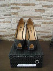 Кожаные туфли , 39 размер, бу