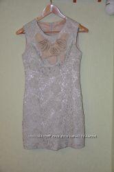 Платье   смотрится великолепно