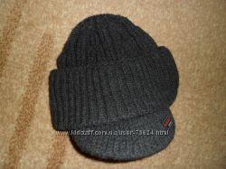 Фирменные шапки для мальчика-подростка
