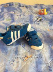 Кроссовки Adidas для маленького модника