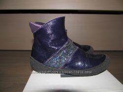 фирменные  демисезонные ботиночки для девочки 25р.