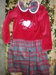 Платье красное велюровое с юбкой в клетку