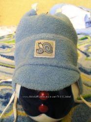 шапочка для мальчика Marika, на весну, нарядная с козырьком до 8-9 мес