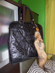 Кожаная сумка Gucci состония новой
