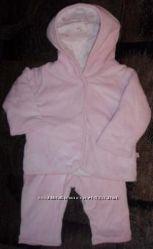 Утепленный костюмчик на девочку с пинетками