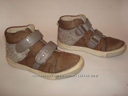 Richter продам классные кожаные ботинки, кеды richter, 26 р.