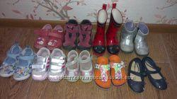 Продам обувку 2-3 года