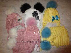шапочки с натуральными помпонами