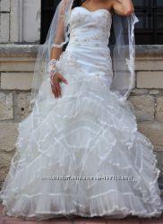 Шикарне весільне плаття San Patrick Pronovias