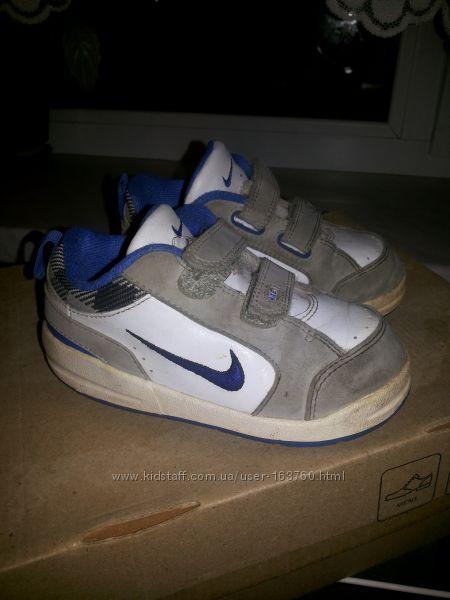 Фирменные кроссовки Nike р. 24 стелька 13. 5см