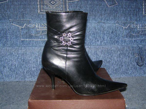 Кожаные деми-ботинки классика 40 размер 26, 5стелька