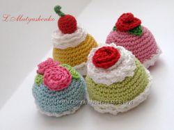 Вязанные пирожные