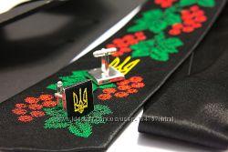 Вишиті набори з хустинкою і запонками для чоловіків