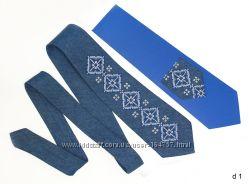 Модные джинсовые галстуки с этно-вышивкой.