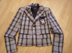 Красивый пиджак фирмы BISCUIT