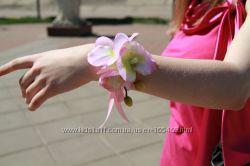 Бутоньерки свидетельницы и подругам невесты