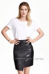 H&M кожаная юбка под кожу эко кожа на запах длины мини