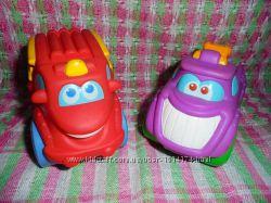 Большие резиновые машинки Playskool пожарная и эвакуатор от Hasbro