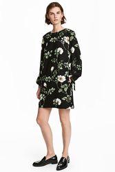 Стильное платье в цветочный принт и завязками на рукавах H&M