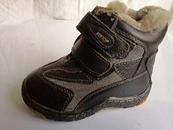 Ботинки кожаные зима раз. 23