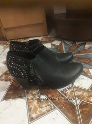 Туфли закритие кожанние с камнями 27 см стлька