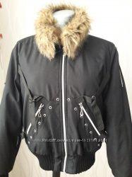 Курточка на меху и с меховым воротником. Best Connection