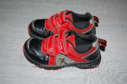 Кроссовки мигающие Clarks 26 17 см