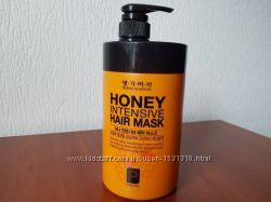 Медовая маска для восстановления волос Daeng Gi Meo Ri Honey Mask
