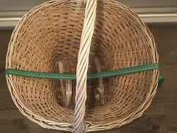 Продам плетенную корзинку бу