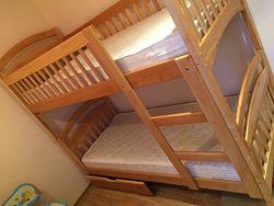 Акция. Двухъярусная кровать с ящиками и матрасами.