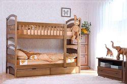 Двухъярусная кровать от производителя с ящиками в комплекте и матрасами.