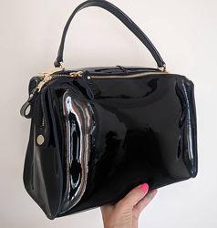 Деловая лаковая сумка