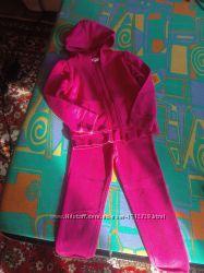 Яркий спортивный костюм HM на 4-6л