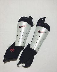 Мужские футбольные щитки Nike Найк оригинал идеал белые