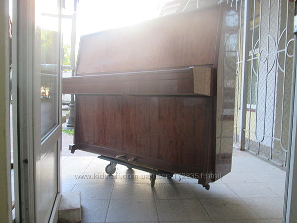 Перевозка пианино Киев, вывоз пианино в Киеве, вывоз старой мебели
