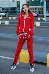 Женский теплый с начесом спортивный прогулочный костюм красный черный