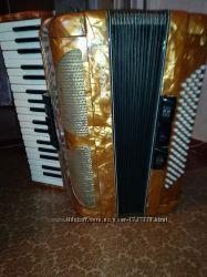 продается чешский аккордеон Лигнатон с футляром