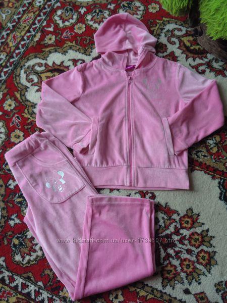 Красивый розовый велюровый костюм DISNEY на 7-9л в отличном состоянии