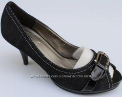 Туфли с открытым носочком в наличии