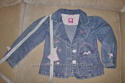 Продам джинсовый пиджачок для девочки