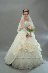 Свадебное платье расшитое камнями и бисером сваровски