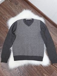 Мягенький и тёплый шерстяной свитерок