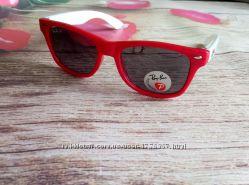 Детские солнцезащитные очки Polaroid разные цвета