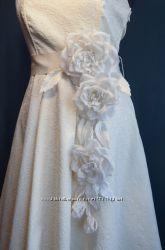 Свадебный пояс из шелковых цветов