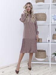 Прямое платье в горошек с плиссировкой 12108-
