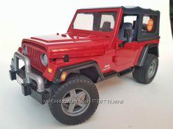 Внедорожник Jeep unlimited фирмы Bruder