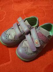 Осенние ботинки размер 26