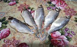 тарань вяленая, аджика, перец чили в маринаде
