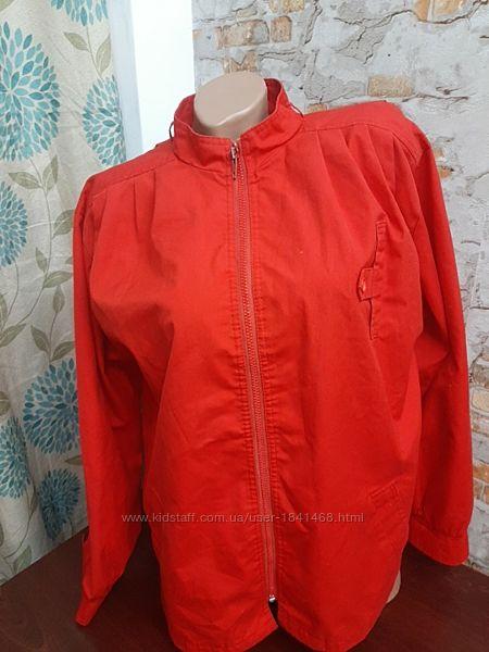 Легкая демисезонная куртка ветровка