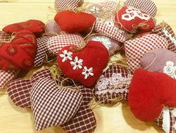 Текстильные сердечки на ёлку валентинки презент ручной работы